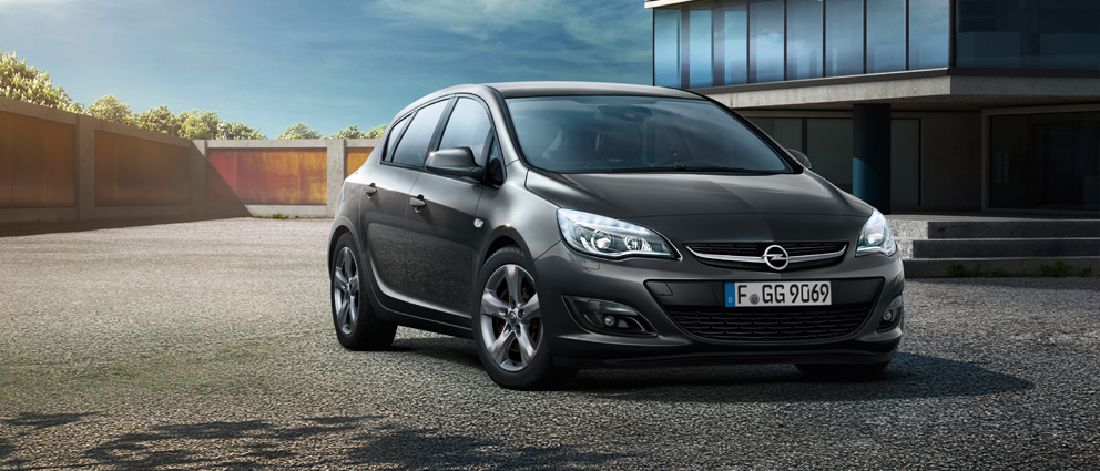Opel_Astra_Hatchback_Drive_Exterior_Design_992x425_as15_e01_219